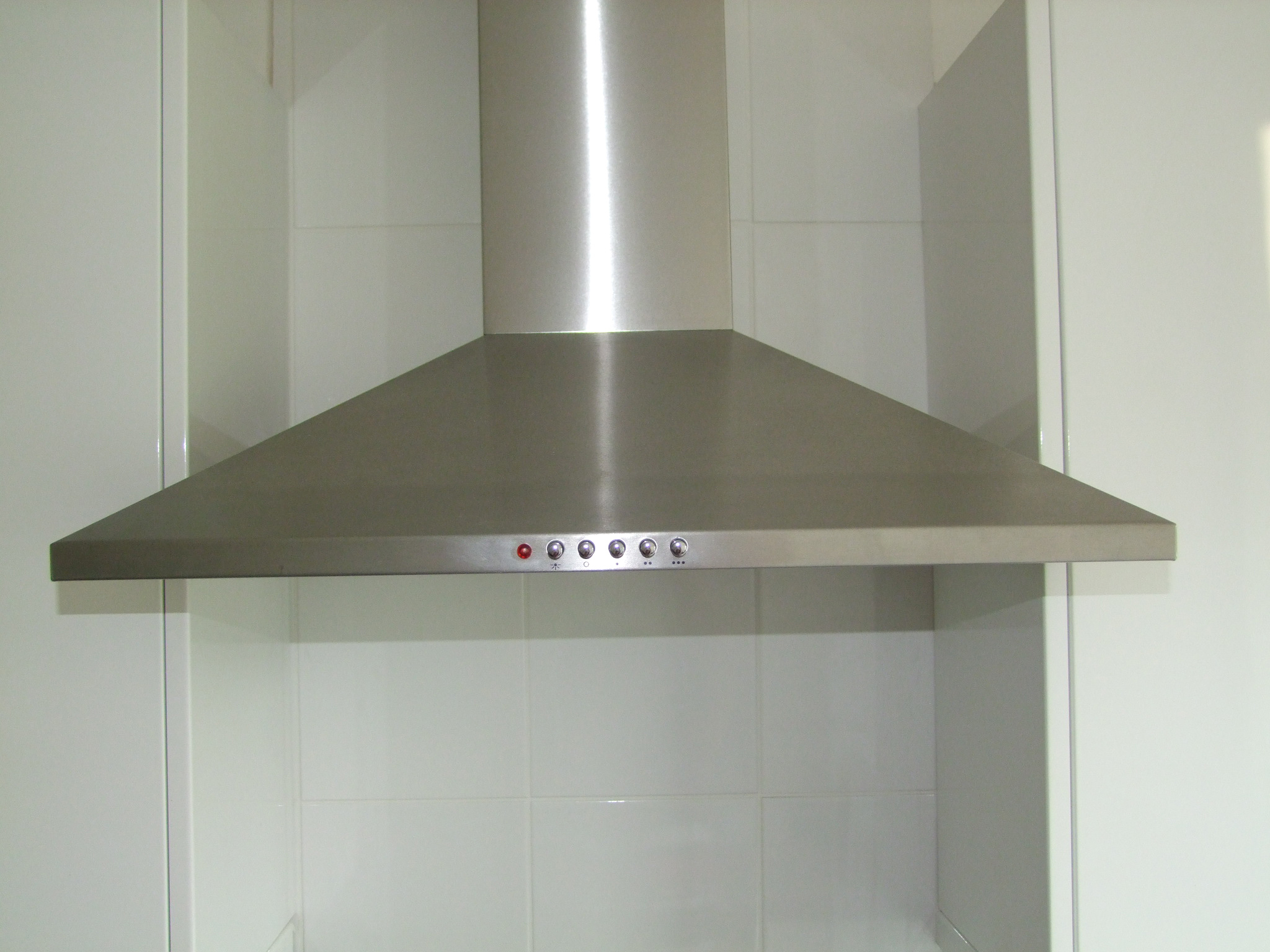 Как очистить вытяжку на кухне от жира 14